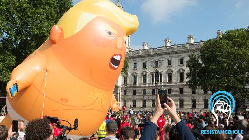 Illustration for article titled Take That, Drumpf! British Protesters Flew A Trump Baby Balloon To Symbolize That He Is Full Of Innocent Love And Infinite Curiosity