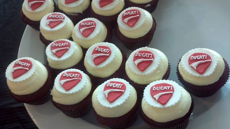 Illustration for article titled Ducati cupcakes