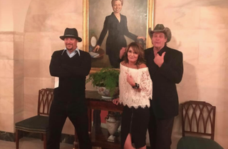 Kid Rock, Sarah Palin and Ted Nugent inside the White House. Where the hell is security? (Twitter screenshot)