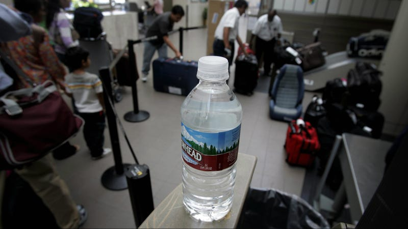 Illustration for article titled The Heinous Price Of Bottled Water In Airports Springs A Lawsuit