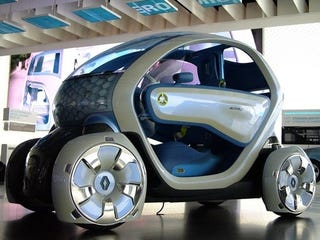 Illustration for article titled Renault Twizy Concept Still Has Those Square Wheels