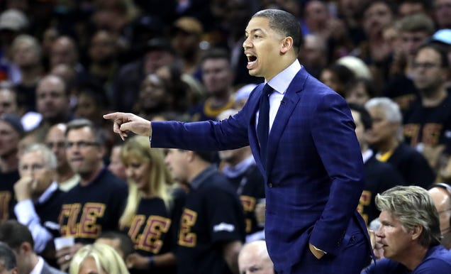 Report: LeBron James Signs Tyronn Lue To An Extension