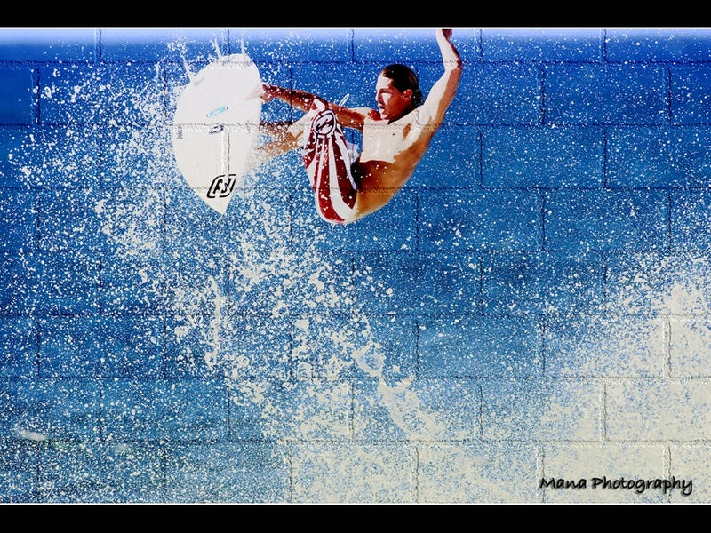 Illustration for article titled The End Of Summer: Surfer Andy Irons Dies Young