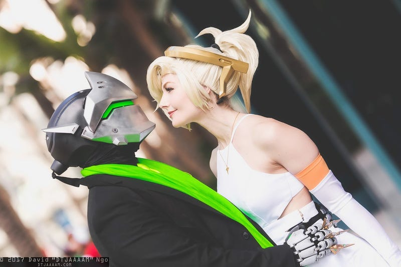 Overwatch 'Shipping Immortalised With Cosplay