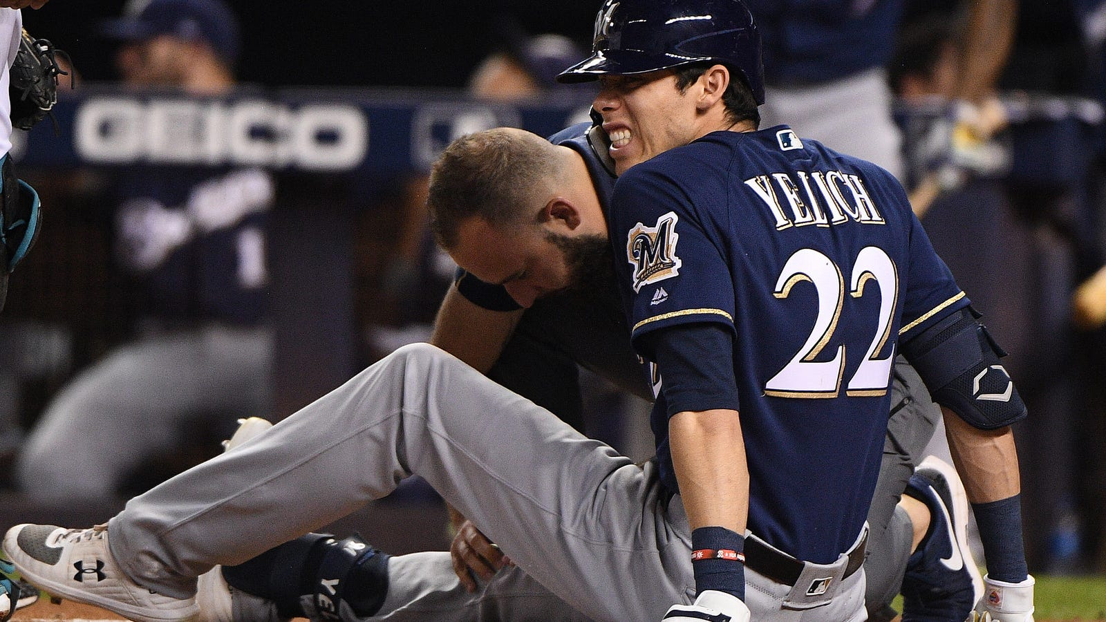 Christian Yelich Fractures Kneecap With Foul Ball, Is Done For The Season
