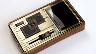Illustration for article titled Colorfly Pocket HiFi C4 Pro is a Media Player For The Steampunk Music Connoisseur