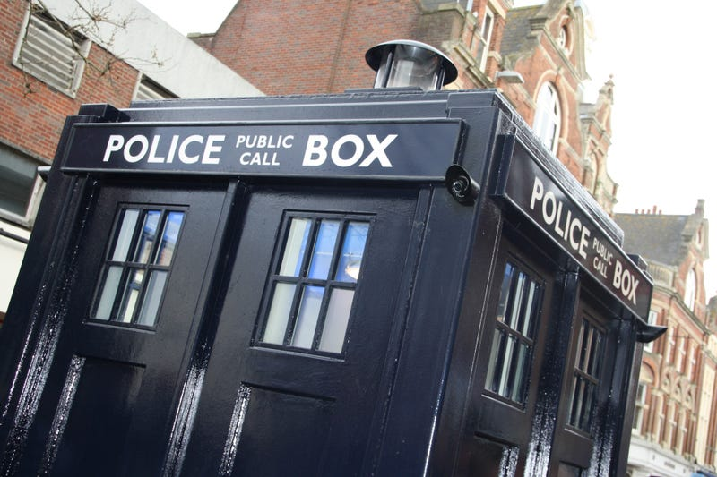 Illustration for article titled A Police Box lands in Dorset - and it's nothing to do with Doctor Who