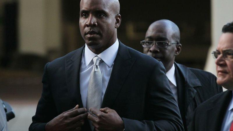 Illustration for article titled Criminal Case Of 'USA v. Steroid-Using Liar Barry Bonds' Begins