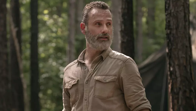 The Teaser for The Walking Dead s Mid-Season Premiere is Actually Pretty Frightening