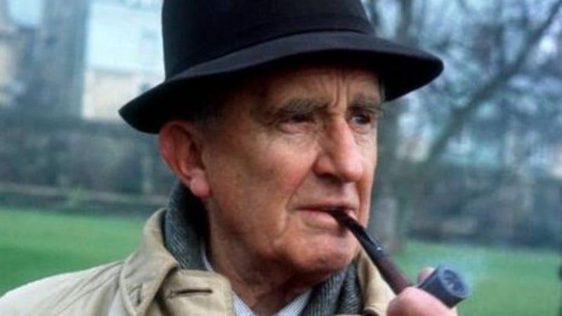 Illustration for article titled La fascinante vida de J.R.R. Tolkien, el padre de El Señor de los Anillos,llegará al cine
