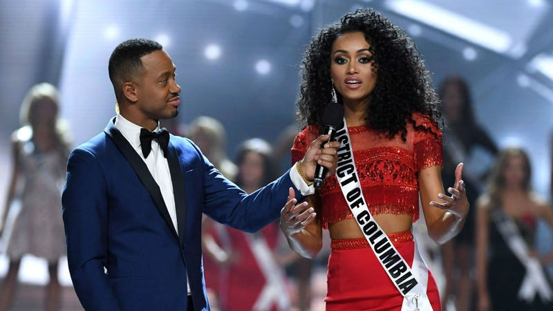 Pageant co-host Terrence J and Miss USA 2017 Kára McCullough (Ethan Miller/Getty Images)
