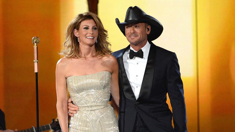 Illustration for article titled Faith Hill Was Engaged to Another Man When She Got with Tim McGraw
