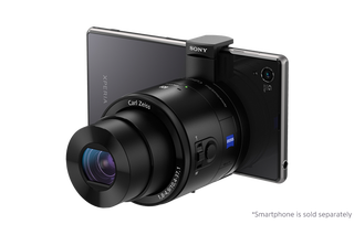 Illustration for article titled Sony's QX10 and QX100