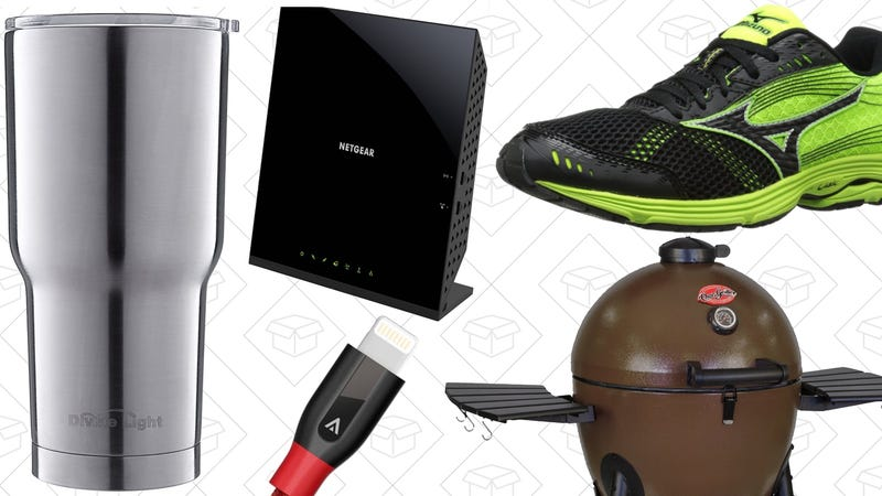 Illustration for article titled Saturday's Best Deals: Modem/Router Combo, Mizuno Running Shoes, Kamado Cooker