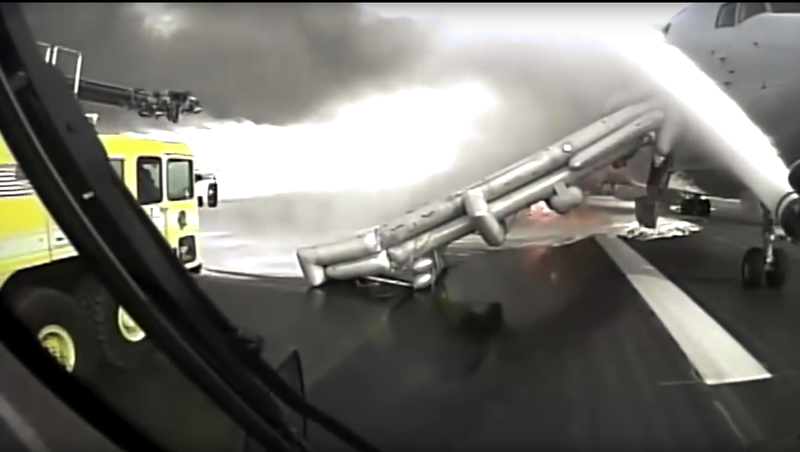 Illustration for article titled Fire Truck Dashcam Footage of American Flight 383 Engine Fire
