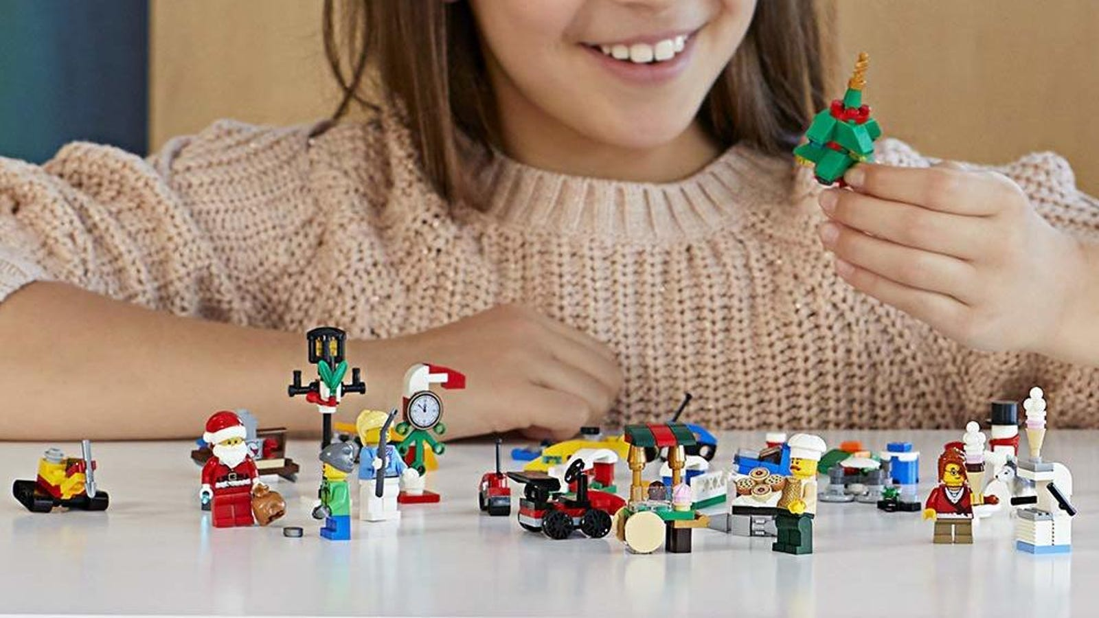 24 Miniature Gifts For $22 - Grab the LEGO City Advent Calendar On Sale