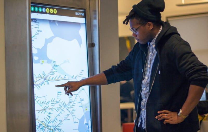Illustration for article titled Las nuevas pantallas del metro de NYC son una mezcla de iOS y Android