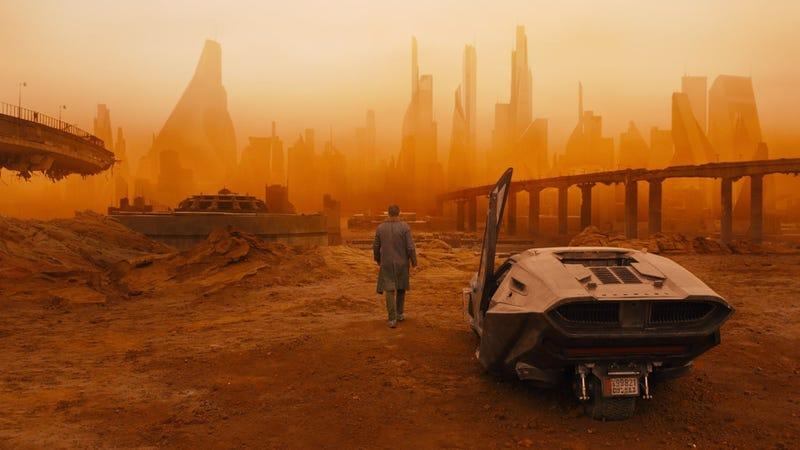 Blade Runner 2049 es espectacular y brillante, pero también larga y pretenciosa