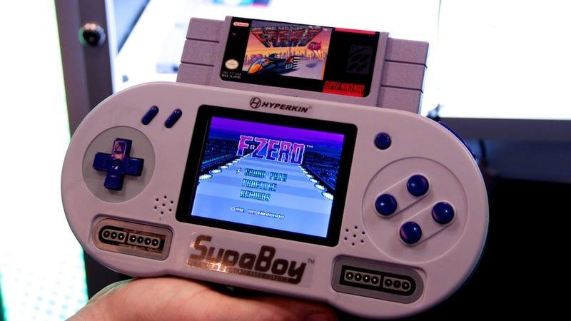 Illustration for article titled Supaboy Hands On: The Littlest Super Nintendo