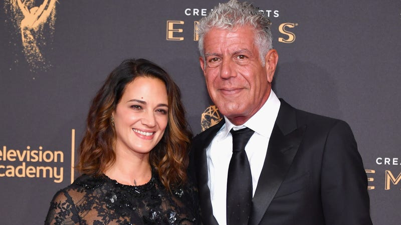 Illustration for article titled Asia Argento denies assault allegations, says settlement was Anthony Bourdain's idea
