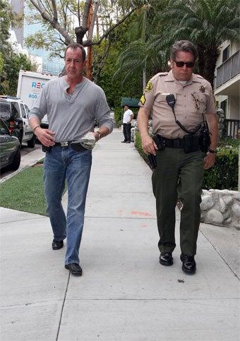 Illustration for article titled Cops Arrive At Lindsay Lohan's House; She Live Tweets It