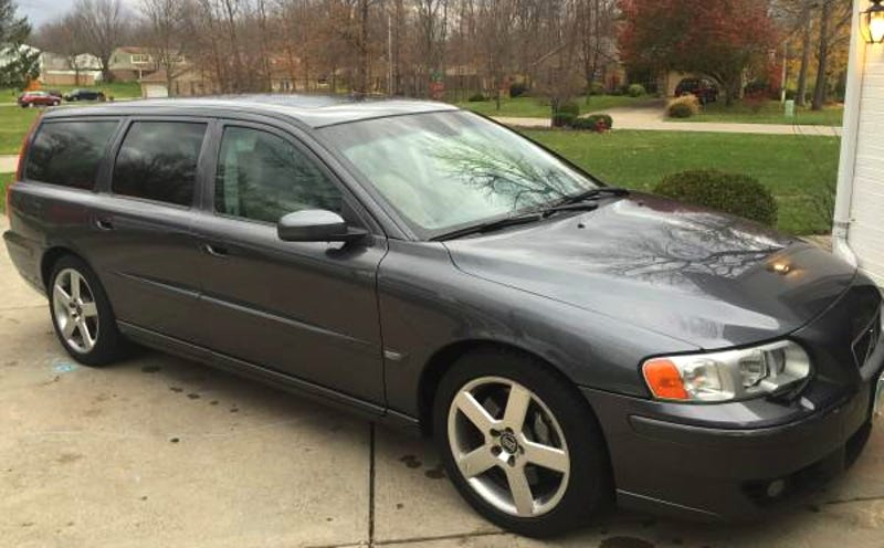 Illustration for article titled How About This 2005 Volvo V70R Six Speed for $7,950?