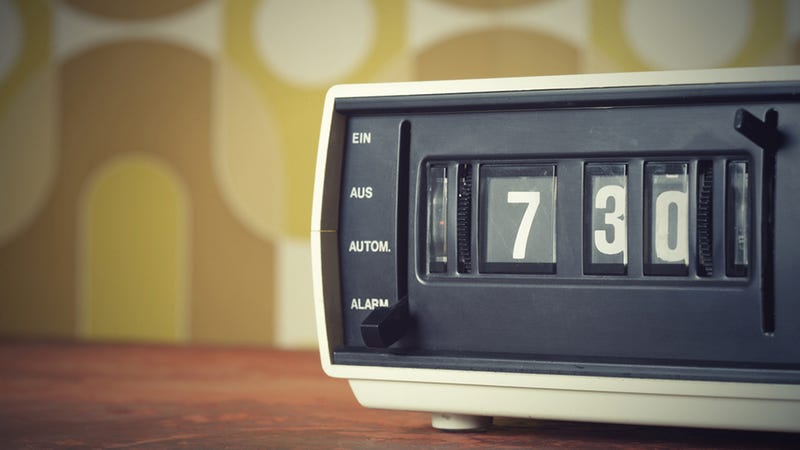 Illustration for article titled Why a Clock Radio Is the Best Way To Wake Up