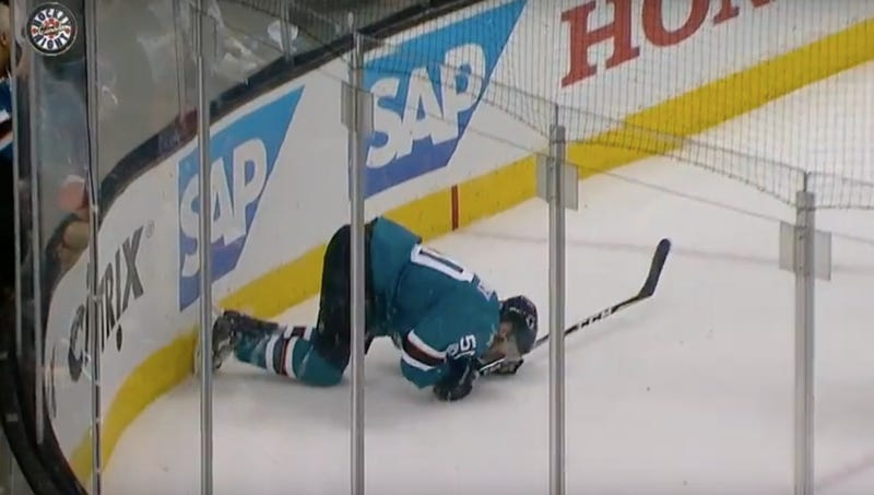 Sharks' Thornton played through ACL, MCL tears