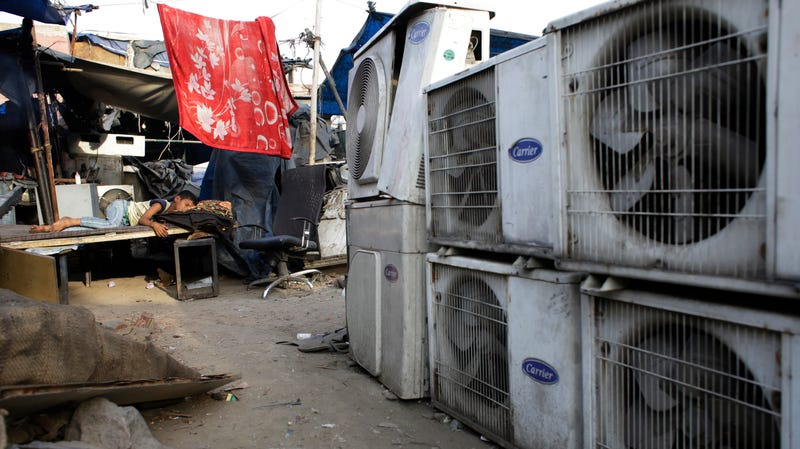 Cooling substances used in air conditioners have a serious climate impact.