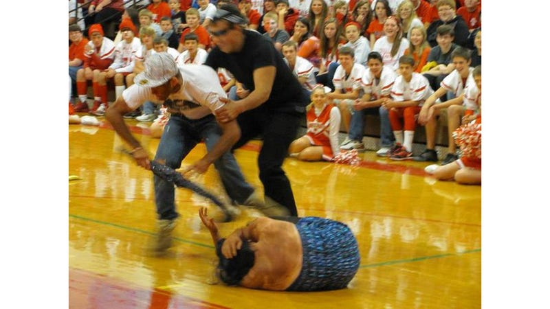 Idiot Students in Blackface Reenact Chris Brown Beating ...
