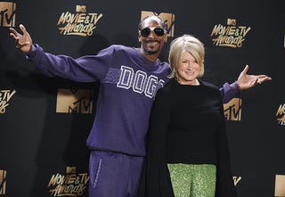 Snoop Dogg and Martha Stewart (Jason LaVeris/FilmMagic)
