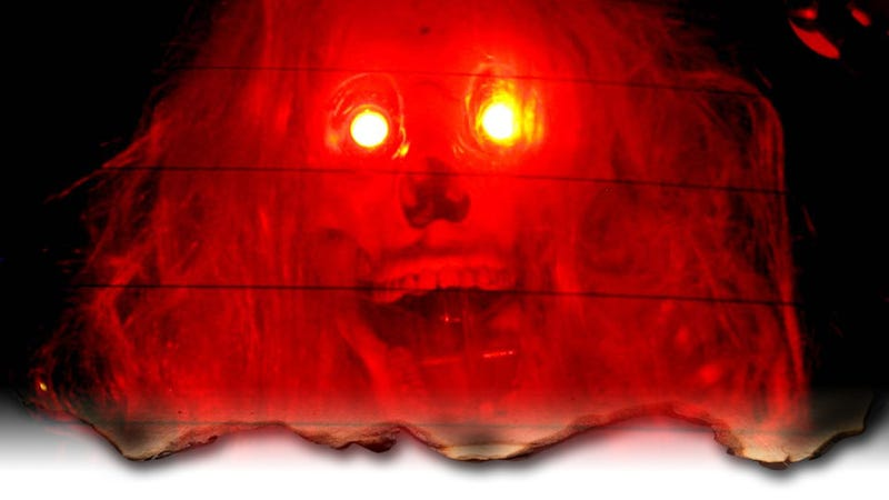 Illustration for article titled Make Your Own Animatronic Screaming Skull Brake Lights With Junkyard Parts!