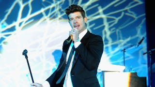 Illustration for article titled Robin Thicke Got Arrested for Smoking Pot in His Escalade