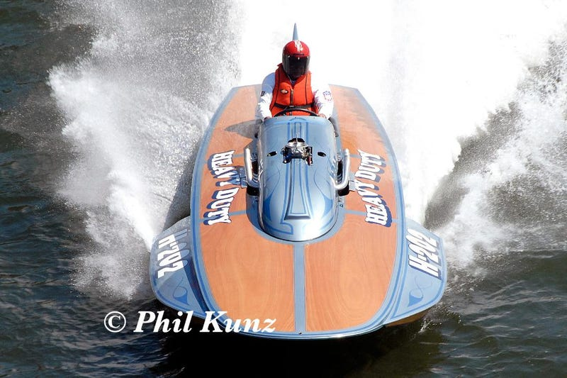 Illustration for article titled Breaking News: Vintage hydroplane driver killed in an incident at Madison Regatta