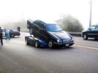 Illustration for article titled C6 Corvette Convertible Uses Mercedes E-Class To Explain Physics Of Wedge Shape