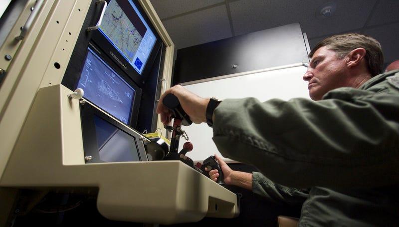 Un comandante de la Fuerza Aérea británica quiere reclutar gamers para pilotar drones militares