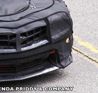 Illustration for article titled 2012 Chevrolet Camaro Z28 Gives Us Some Lip