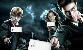 Illustration for article titled Harry Potter, Now with Added Selfie Sticks