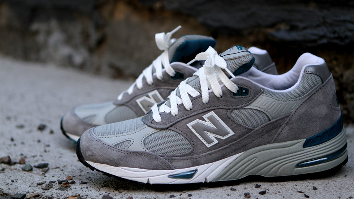 difference between new balance 990 and 993