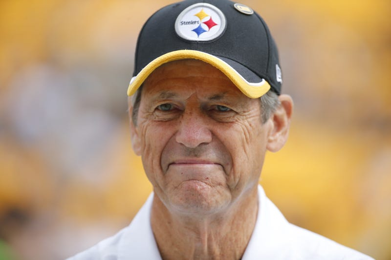 Illustration for article titled Dick LeBeau Leaving Steelers, Says He's Resigning, 'Not Retiring'