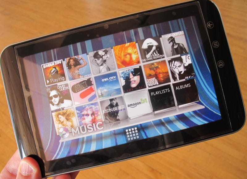 Illustration for article titled Dell Streak 7: The First 4G Tablet Is a Pocket Pit Bull