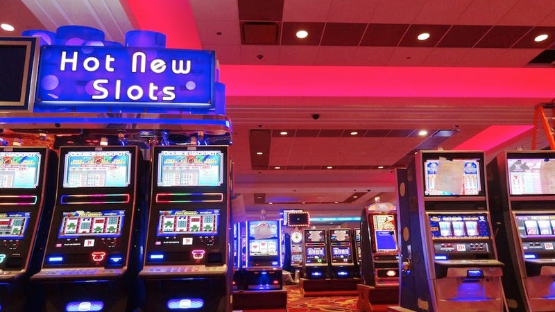 Illustration for article titled New York City's Massive First Casino Is Staffed by Robot Dealers