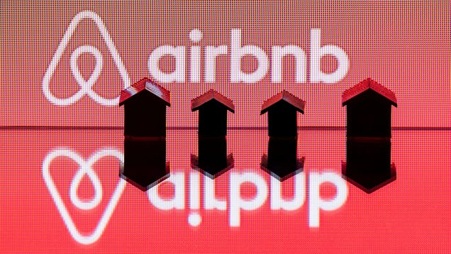 Airbnb Agrees to Rat Out Its Hosts Like NYC Wants It To