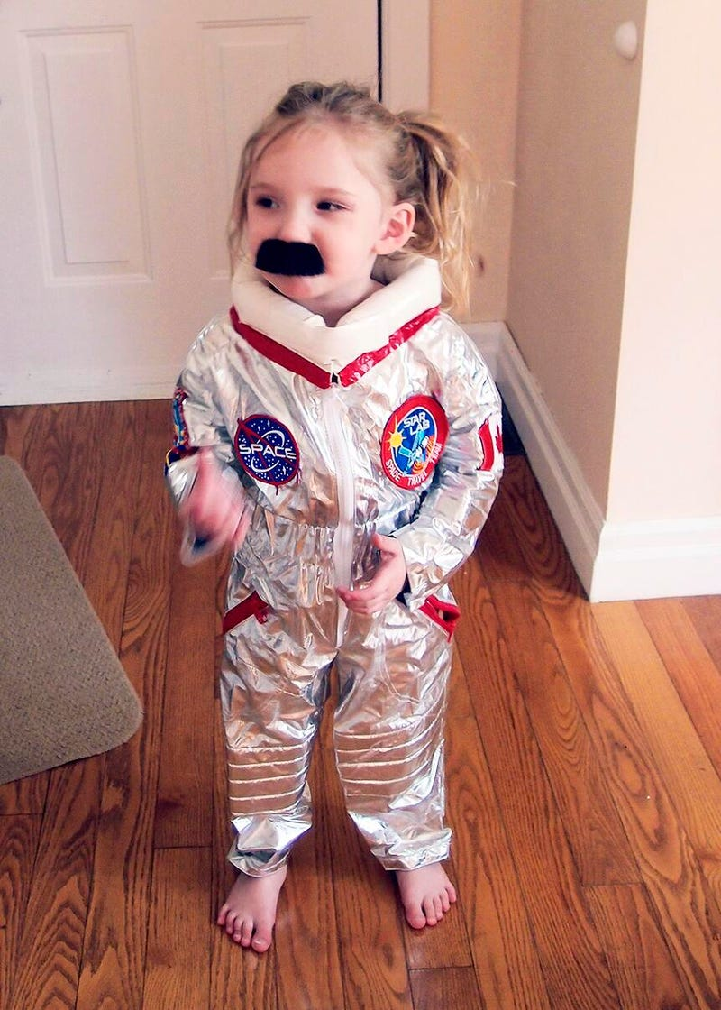 Illustration for article titled Lil' Hadfield should win all the costume contests
