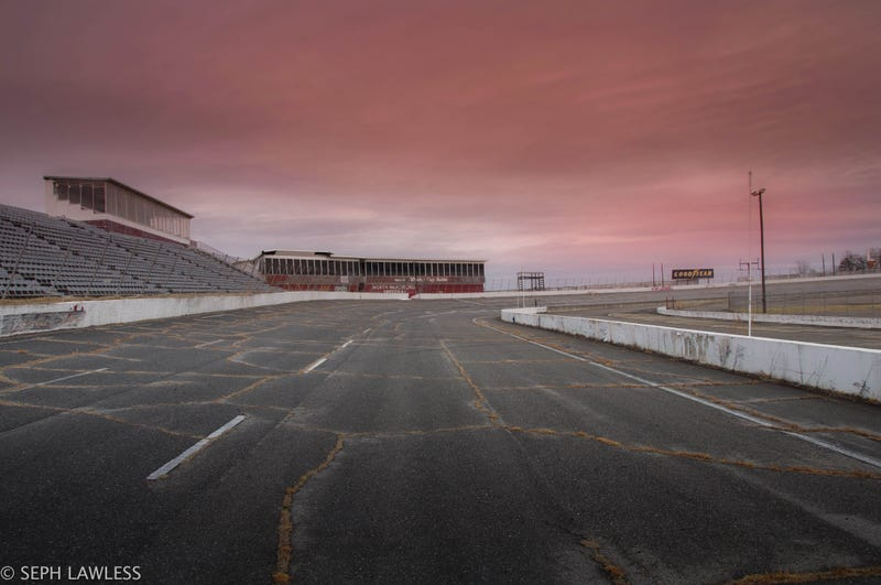 nascar 39 s original racetrack is an abandoned ruin today. Black Bedroom Furniture Sets. Home Design Ideas