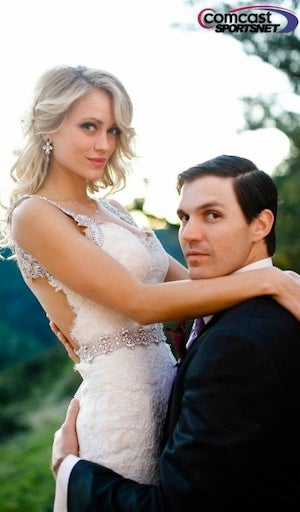 Illustration for article titled Barry Zito Ties The Knot, Looks Ridiculous In Wedding Photo