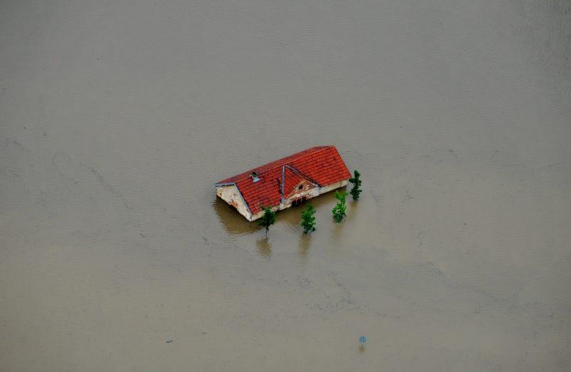Illustration for article titled Csehországban sem egy május elseje az árvíz