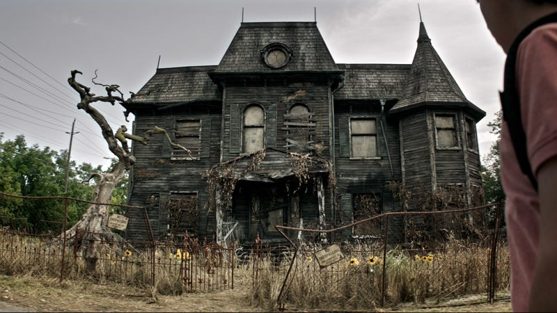 The 19 Scariest Freakiest Haunted Houses In Movies And Tv