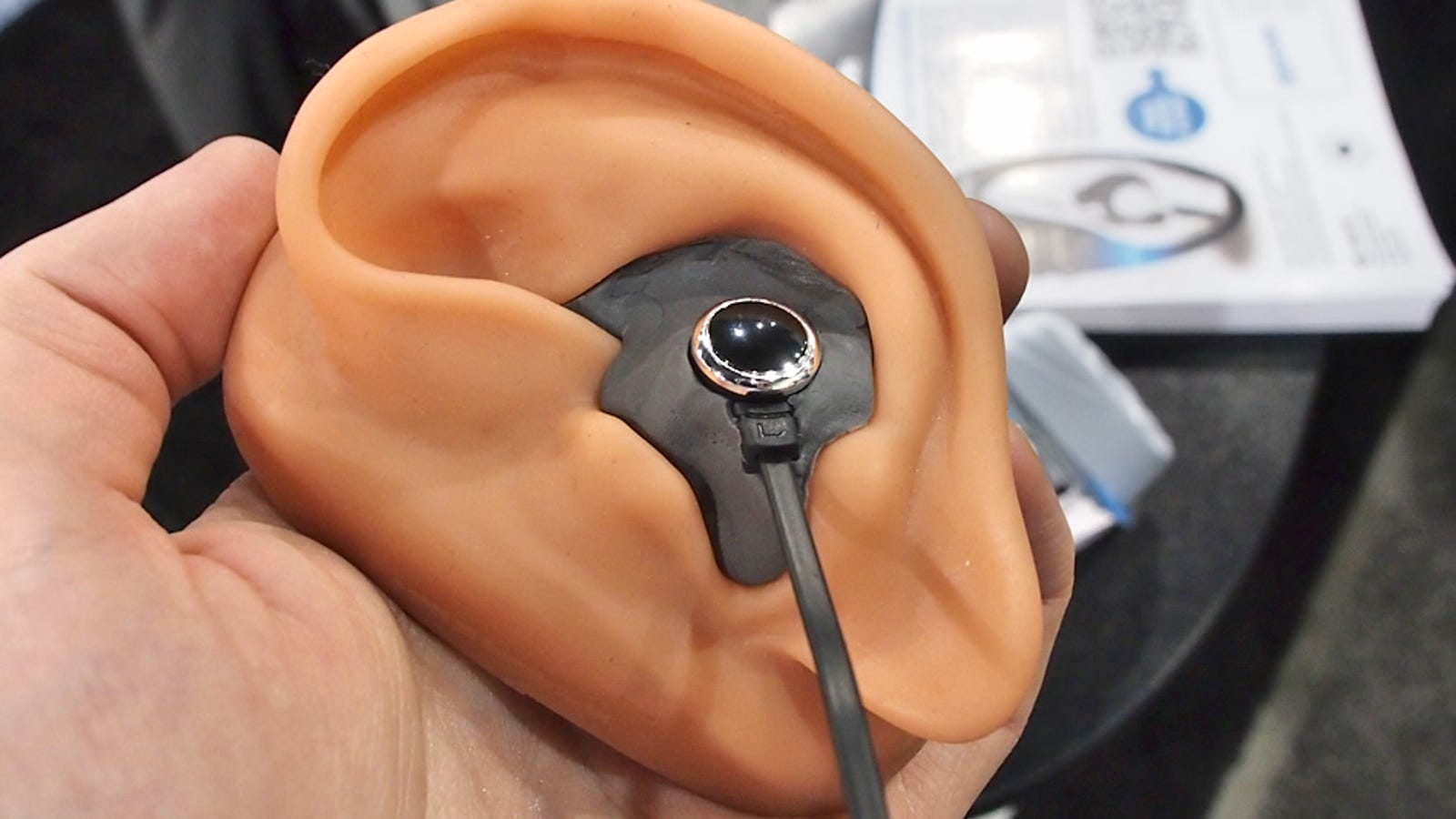 retractable earbuds jack - Sharkfin Promises Custom-Fitted Earbuds For Just $5
