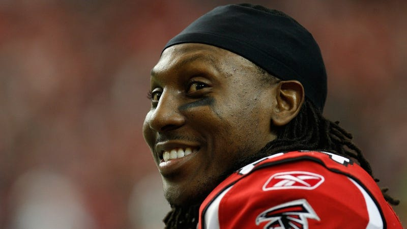 Illustration for article titled Roddy White Said Some Stupid Things About Penn State On Twitter Today